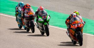 Moto3, 2021, Assen: Acosta chega à frente à Catedral thumbnail