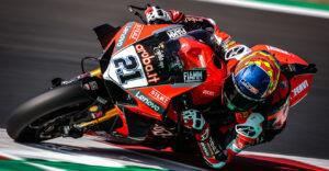 SBK, 2021, Catalunha: Rinaldi vence, com 2 Ducati no pódio thumbnail