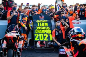 Moto3, 2021, Misano 2: KTM Ajo vence título de equipas thumbnail